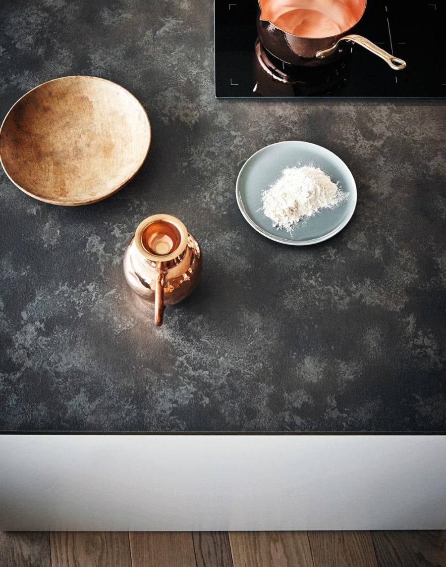 Яркий интерьер кухни от дизайнера Gian Vittorio Plazzogna - предметы интерьера кухни