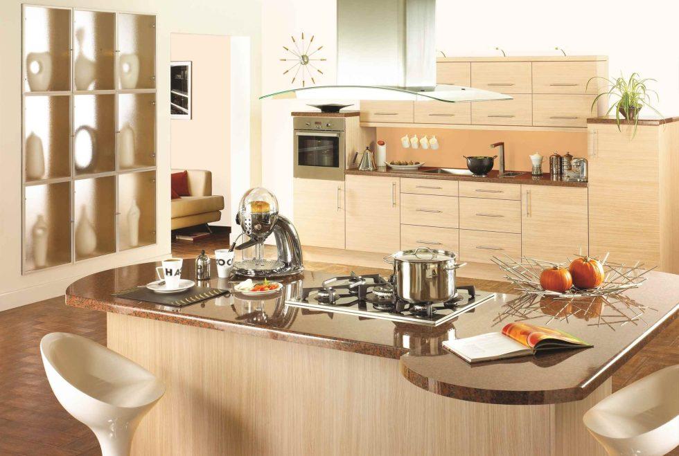 Интерьер кухни в бежевом цвете - фото 17