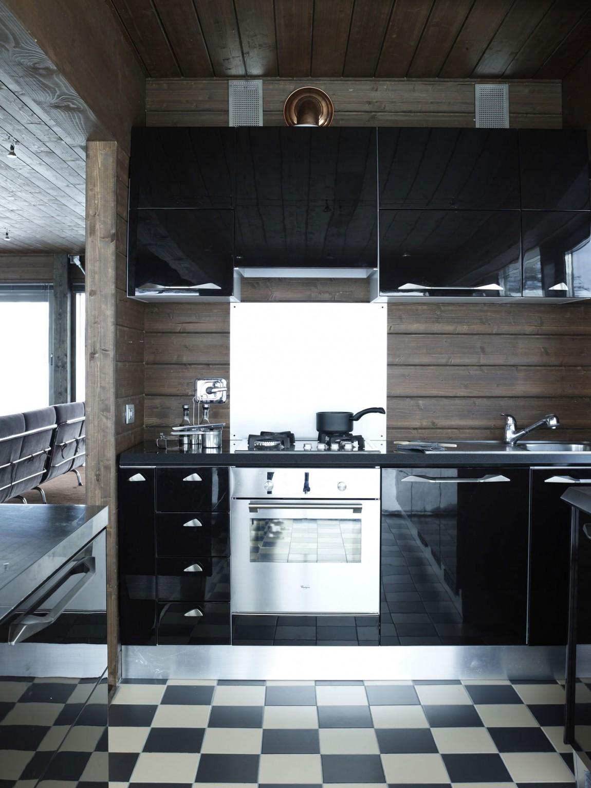 Роскошный интерьер кухни в загородном доме - Фото 12