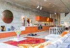 Как создать стильный и функциональный интерьер кухни в загородном доме: практические советы