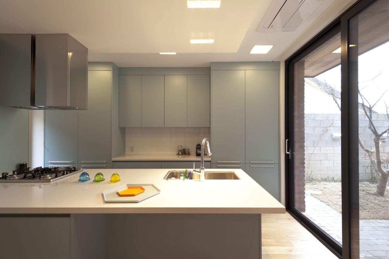 Роскошный интерьер кухни в загородном доме - Фото 21