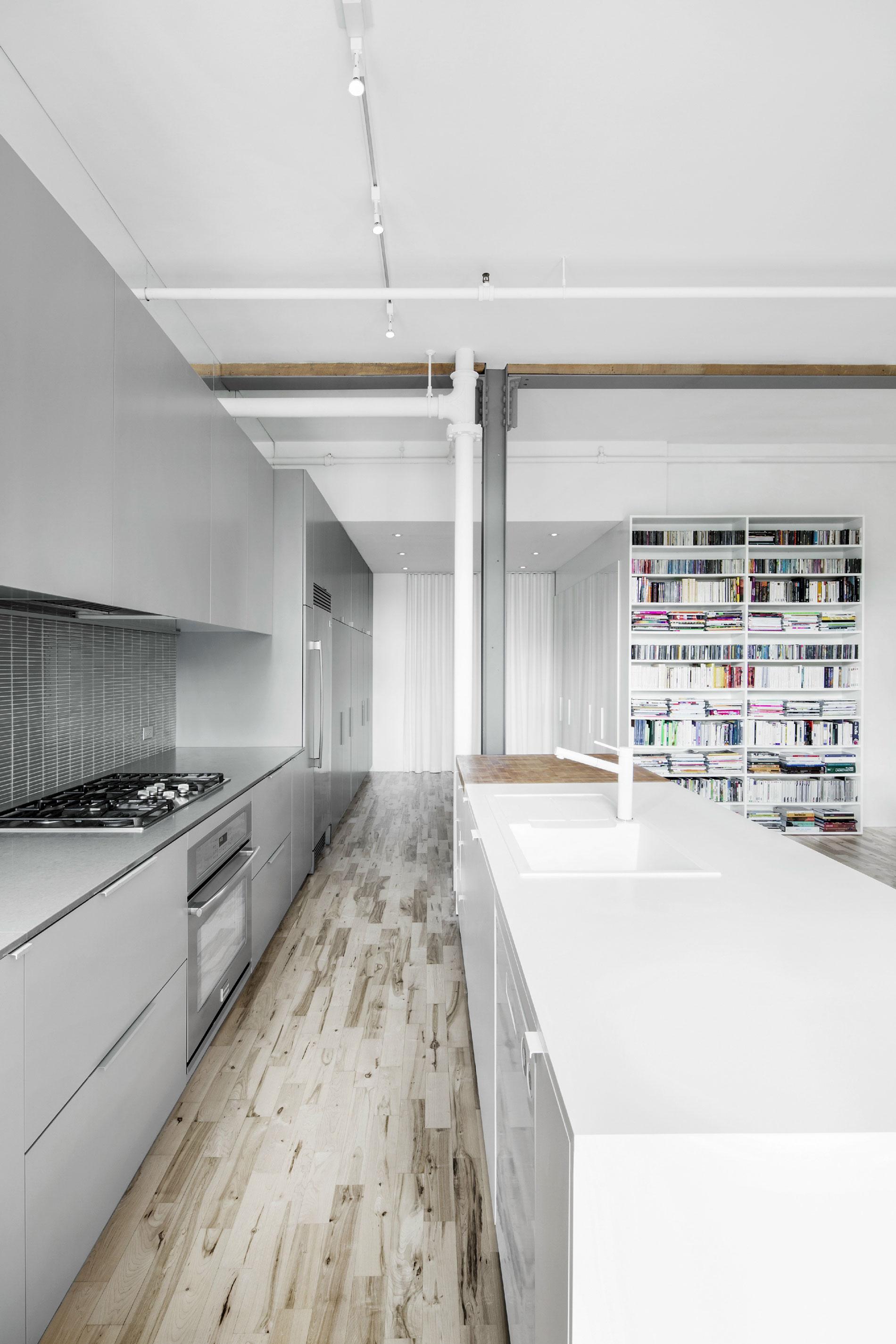 Роскошный интерьер кухни в загородном доме - Фото 24