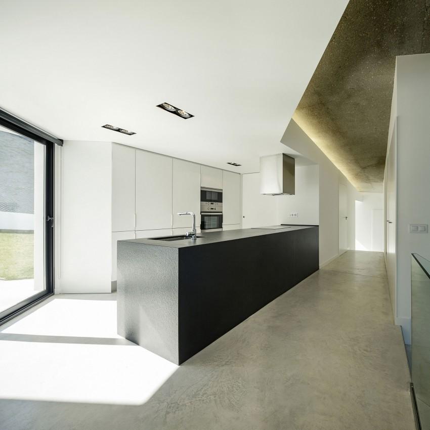Роскошный интерьер кухни в загородном доме - Фото 25