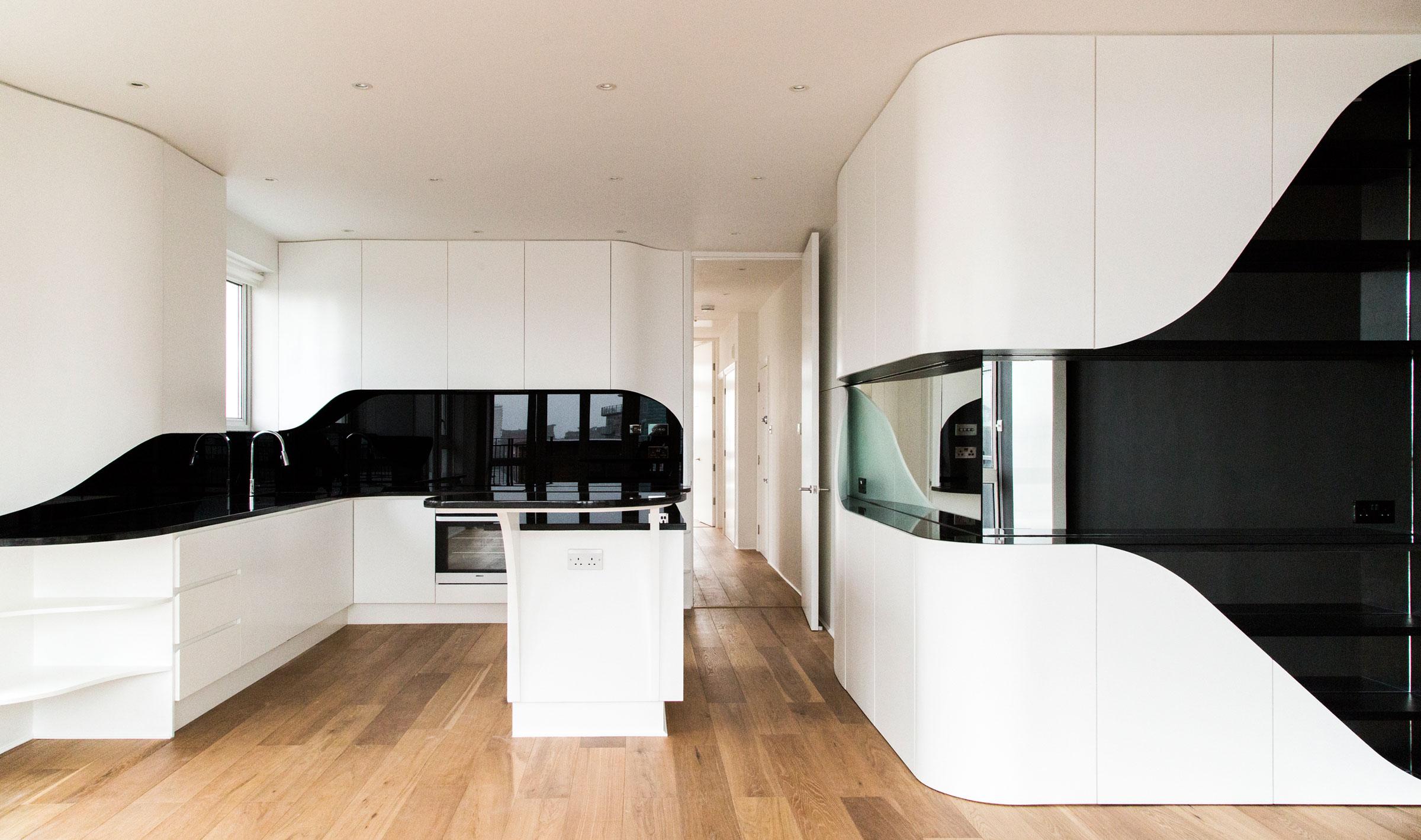 Роскошный интерьер кухни в загородном доме - Фото 27