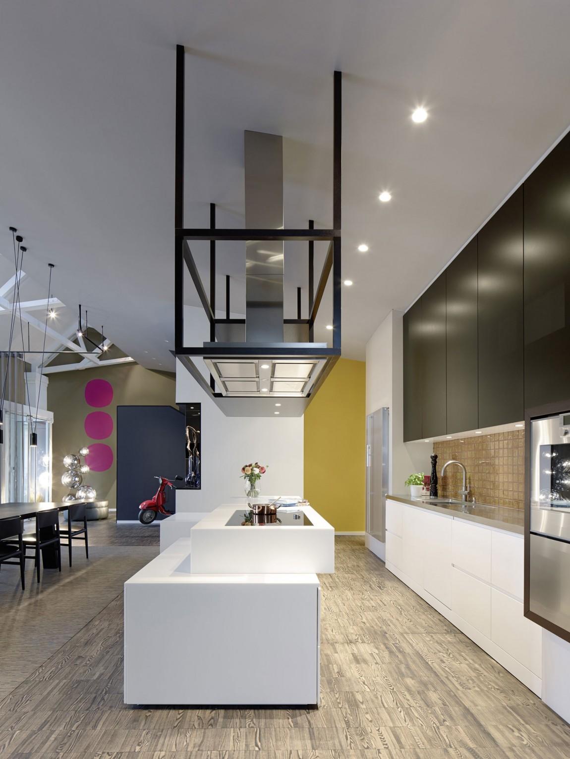 Роскошный интерьер кухни в загородном доме - Фото 31