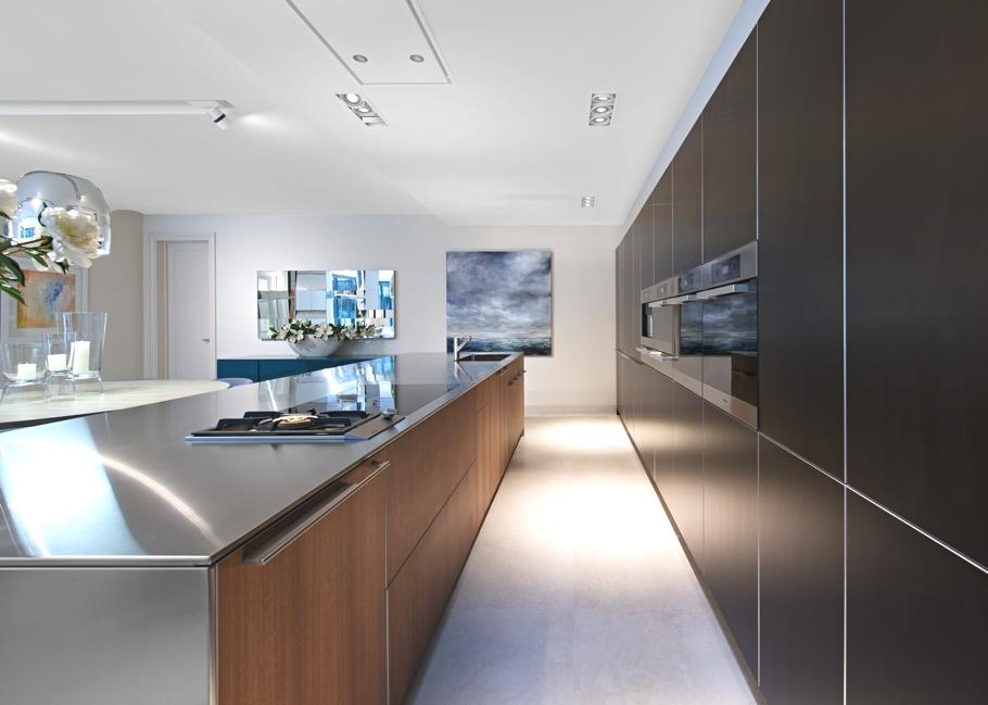 Роскошный интерьер кухни в загородном доме - Фото 33