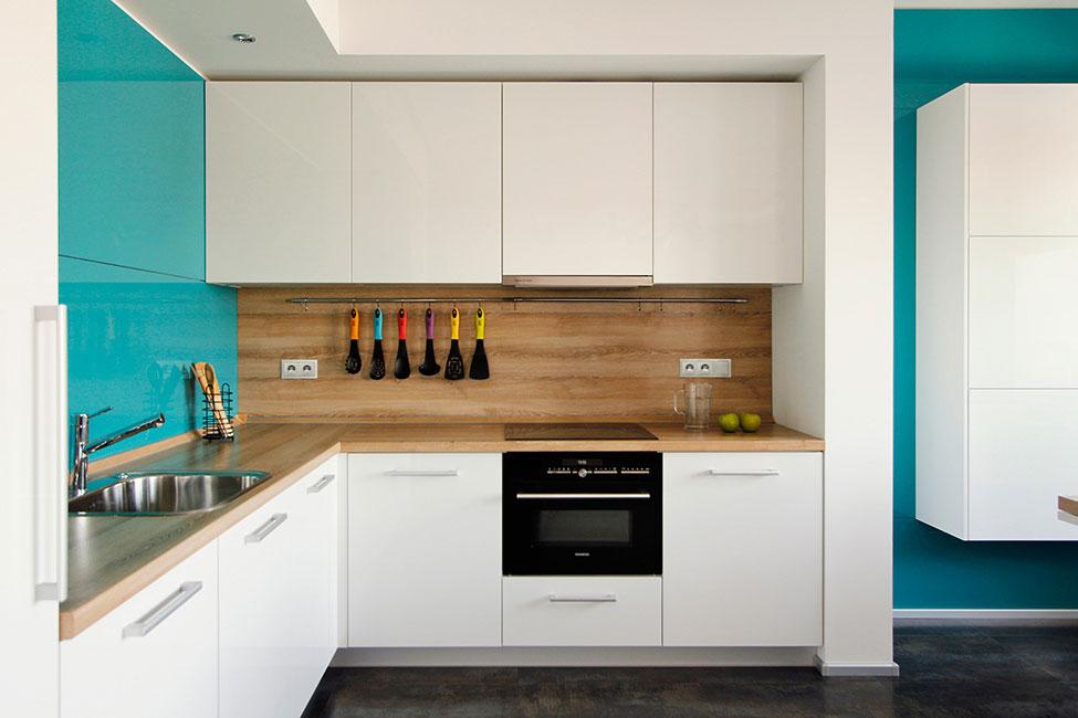 Роскошный интерьер кухни в загородном доме - Фото 37