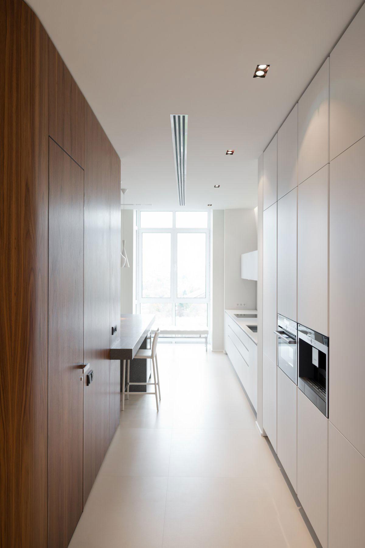 Роскошный интерьер кухни в загородном доме - Фото 38