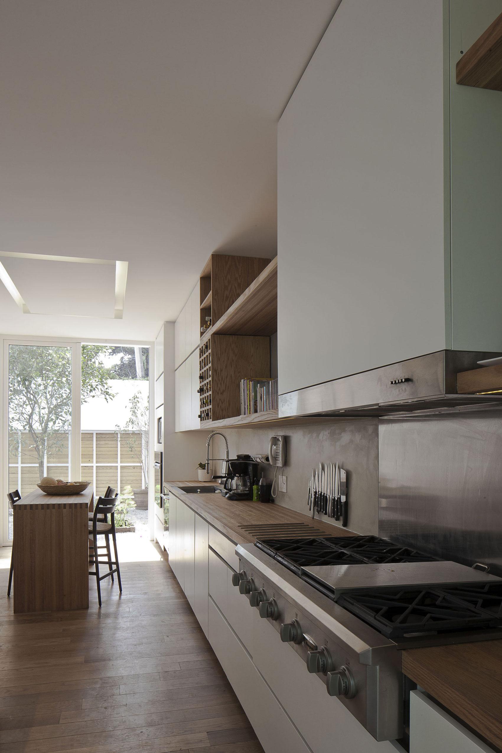 Роскошный интерьер кухни в загородном доме - Фото 39