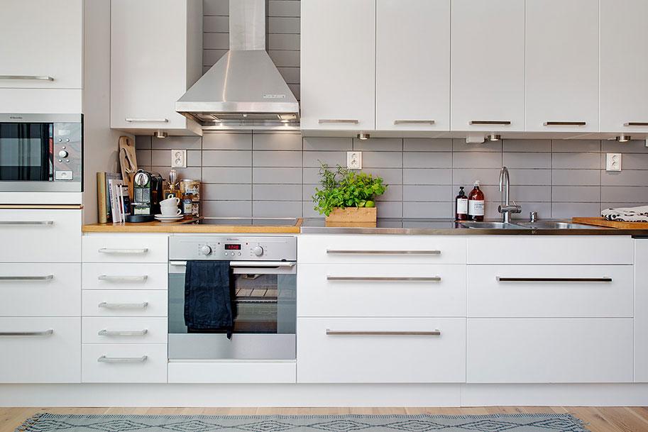 Роскошный интерьер кухни в загородном доме - Фото 47
