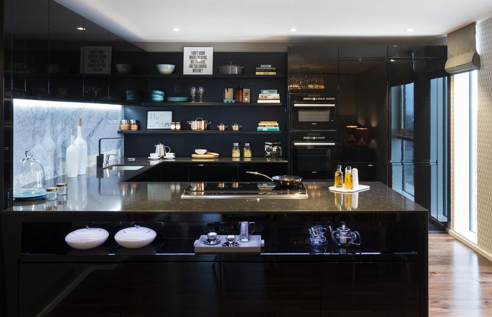 Роскошный интерьер кухни в загородном доме - Фото 50