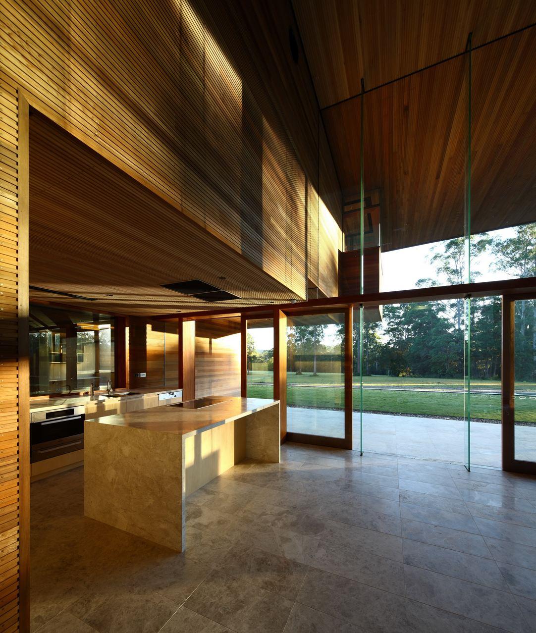 Роскошный интерьер кухни в загородном доме - Фото 51