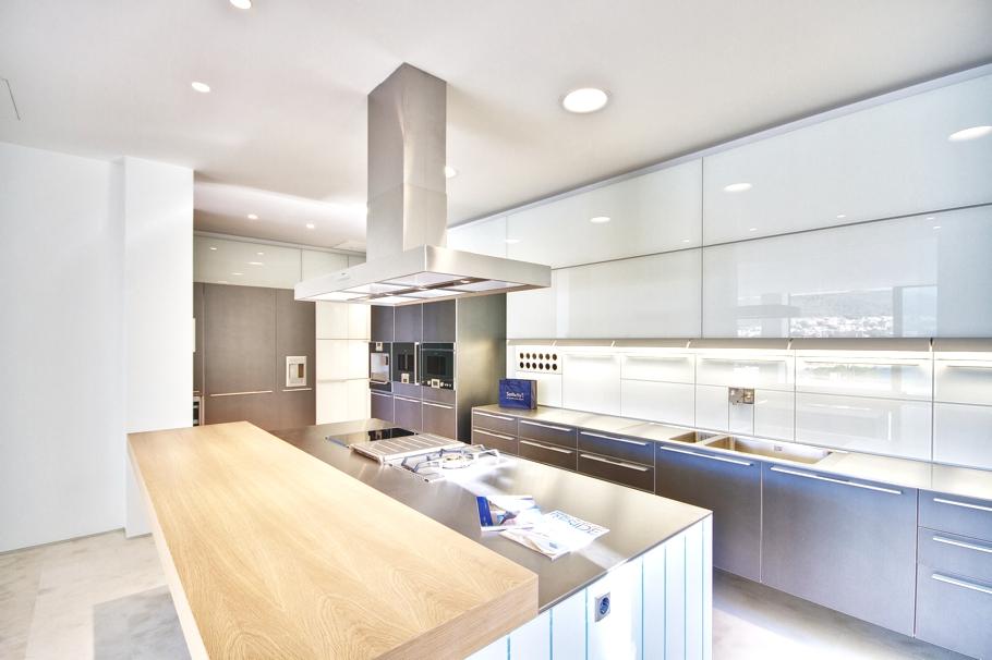 Роскошный интерьер кухни в загородном доме - Фото 52