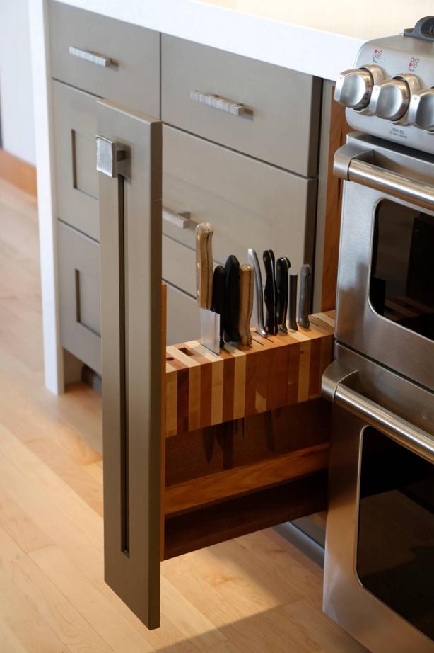 Подставка для ножей в интерьере кухни