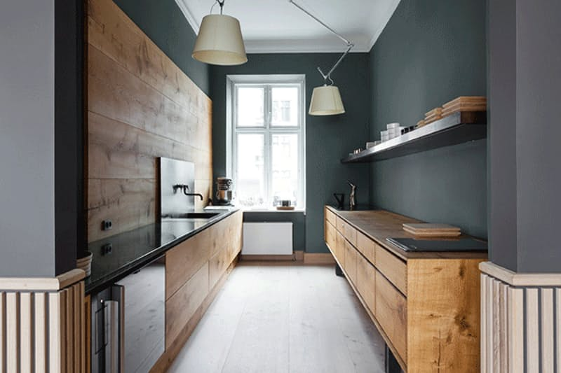 Интерьеры кухонь без верхних шкафов