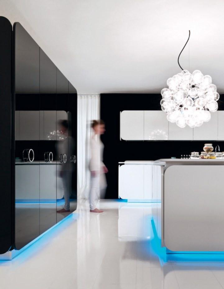 Неоновая подсветка под шкафами и кухонным островом кухни IT-IS
