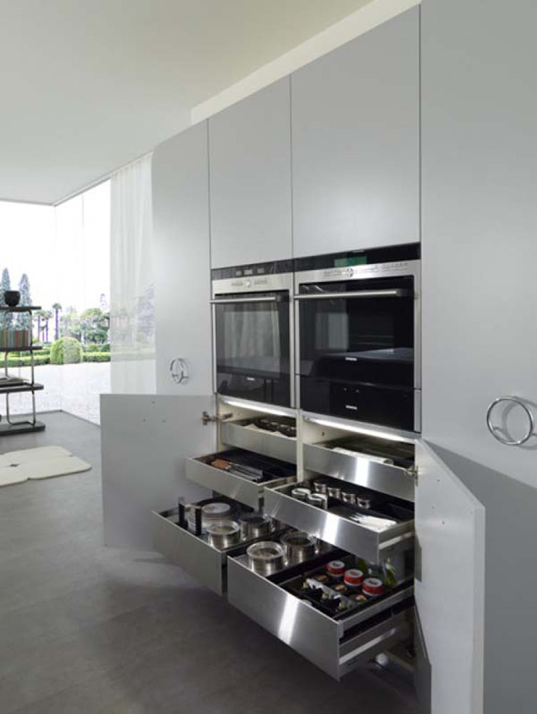 Глубокие выдвижные ящики для хранения специй и кухонных аксессуаров