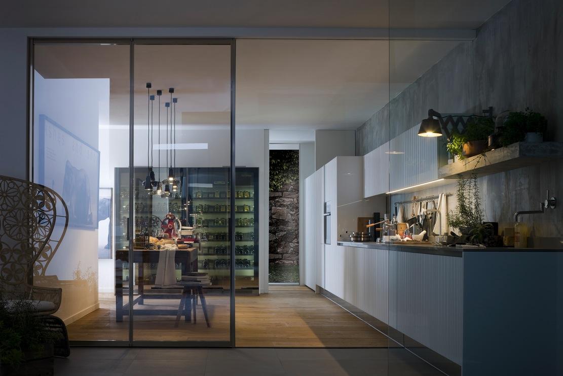 Белый дизайн кухонного гарнитура Arclinea