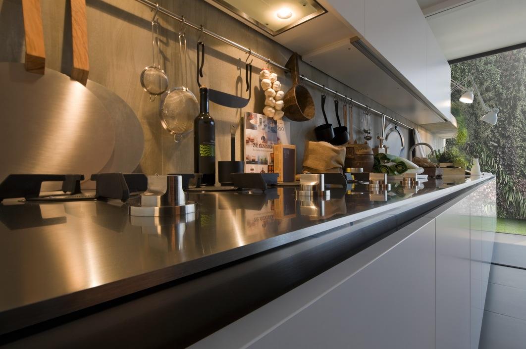 Металлическая столешница кухни Arclinea