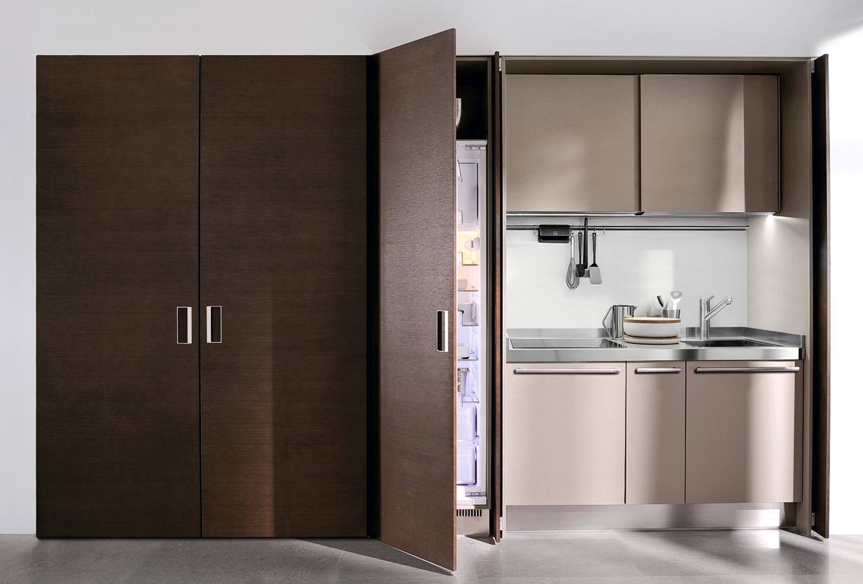 Встроенный в шкаф Arclinea холодильник в интерьере