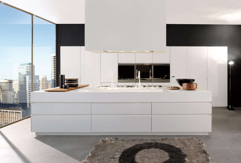 Минималистский дизайн кухонного гарнитура Arclinea в интерьере