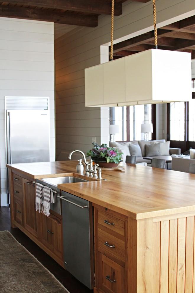 Дизайн кухонного острова - коричневый цвет