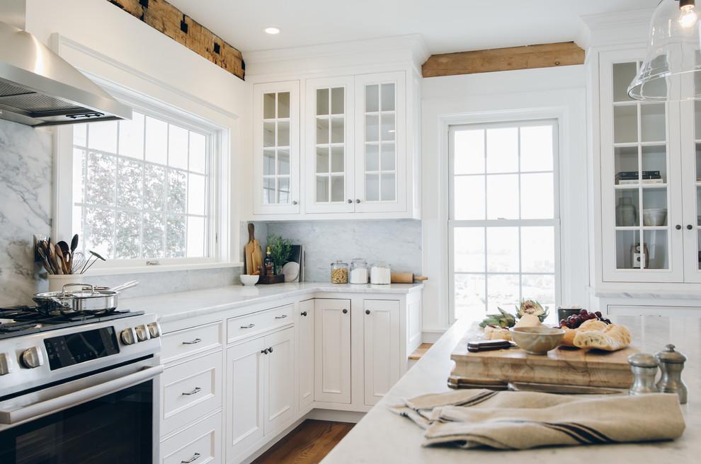 Как правильно организовать кухню: белый кухонный гарнитур