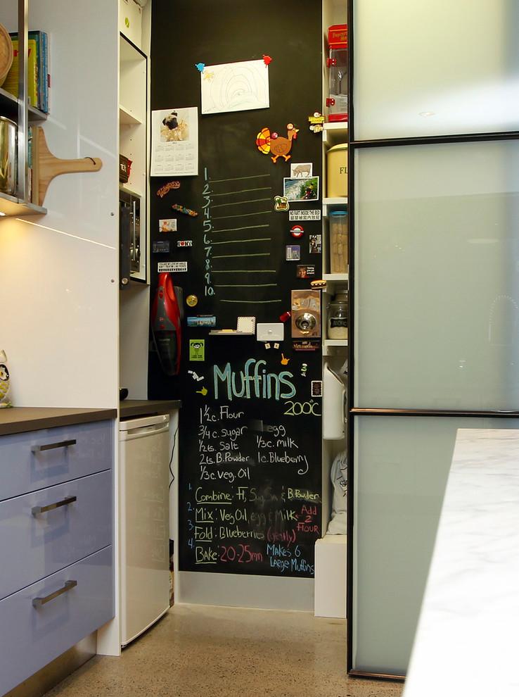 Как правильно организовать кухню: меловая доска в интерьере