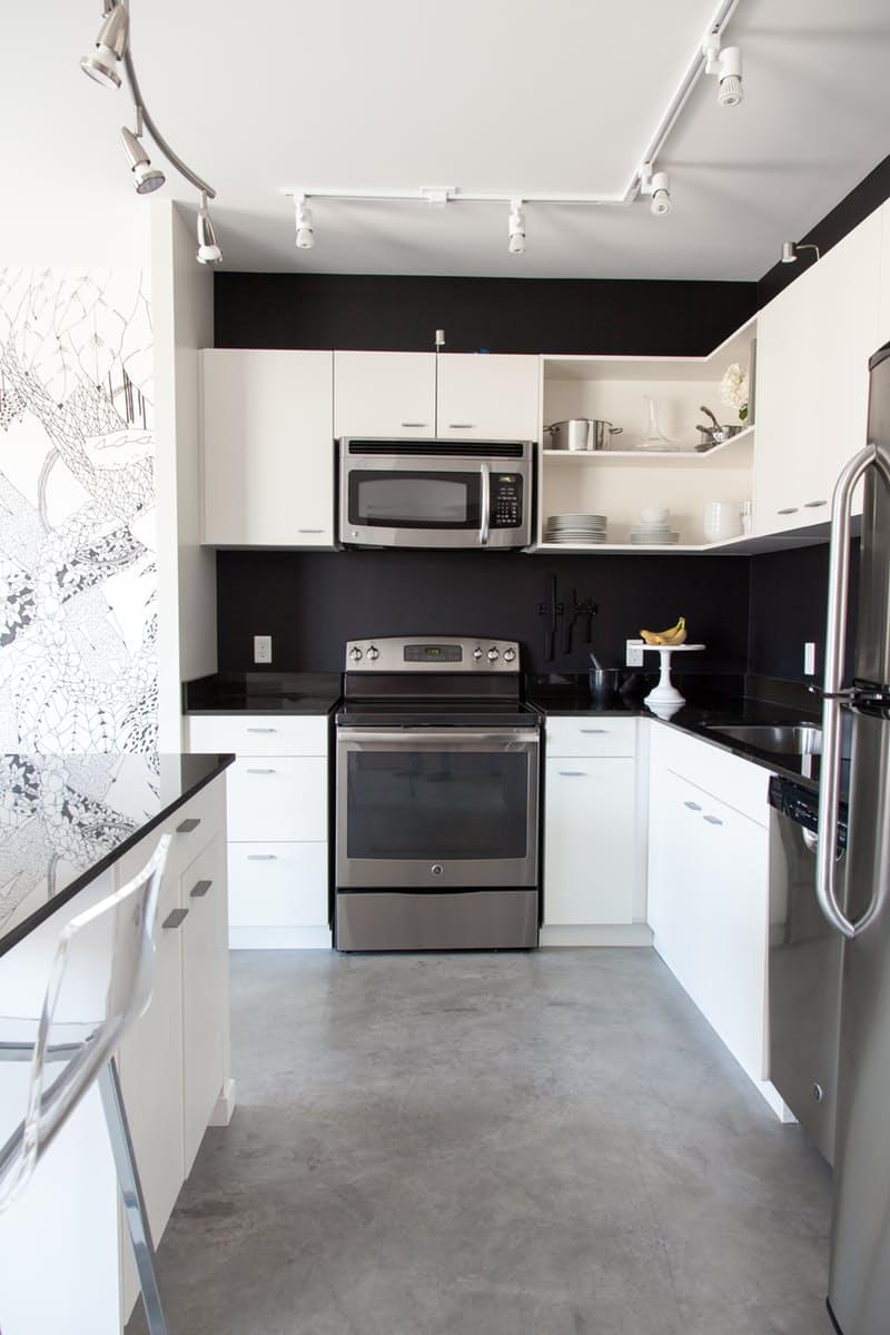 Чёрно-белые современные кухни в стиле минимализм: