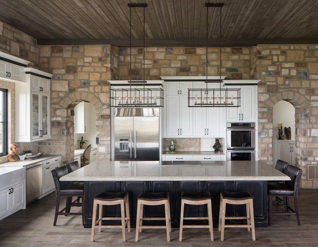 Камень в интерьере кухни загородного дома - фото 1