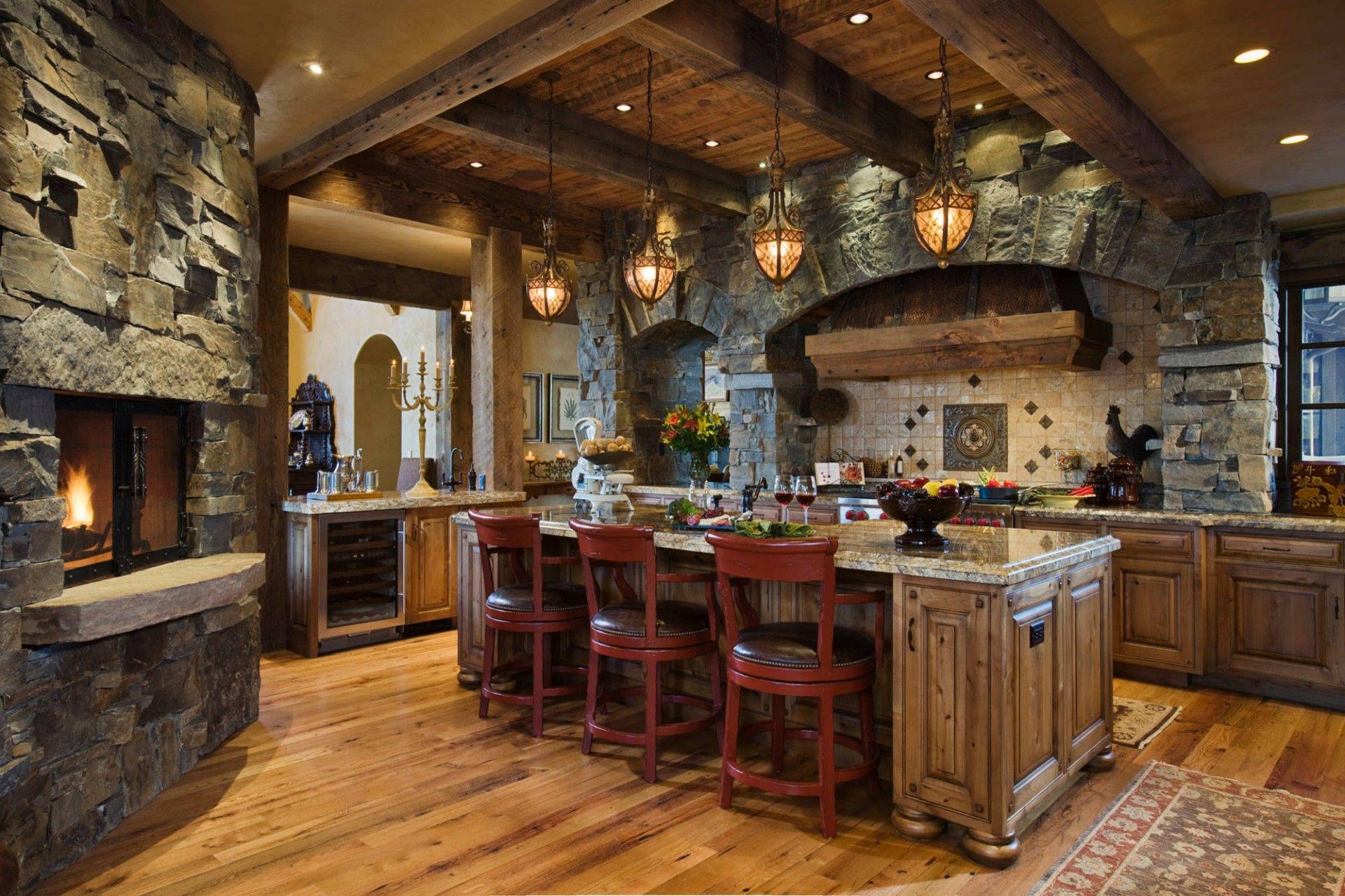 Духовка-печь из камня в интерьере кухни - фото 1