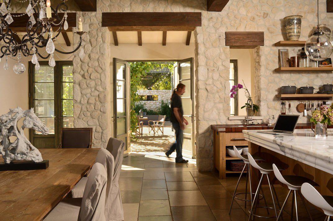 Камень и дерево в интерьере кухни - фото 2