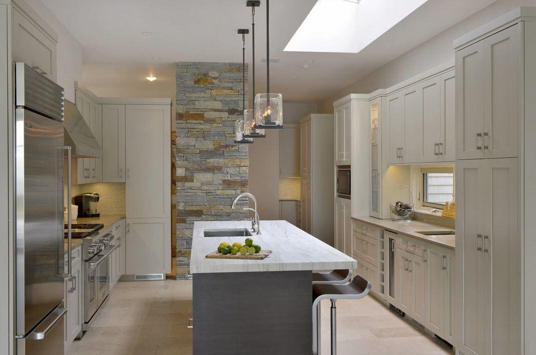 Камень в интерьере кухни с массивной столешницей- фото 1