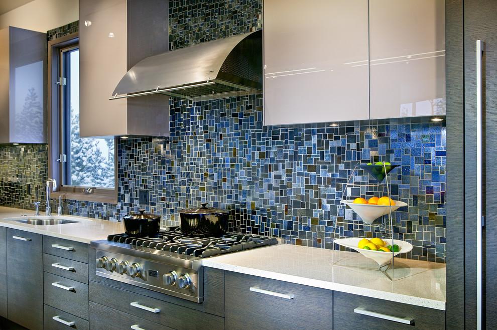 Шикарная настенная мозаика от Waterworks