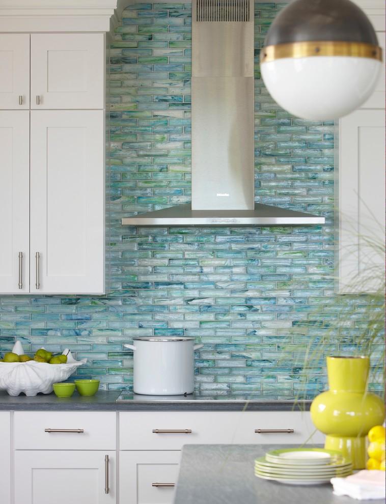 Шикарный бирюзовый кухонный фартук от Stone &amp, Pewter Accents