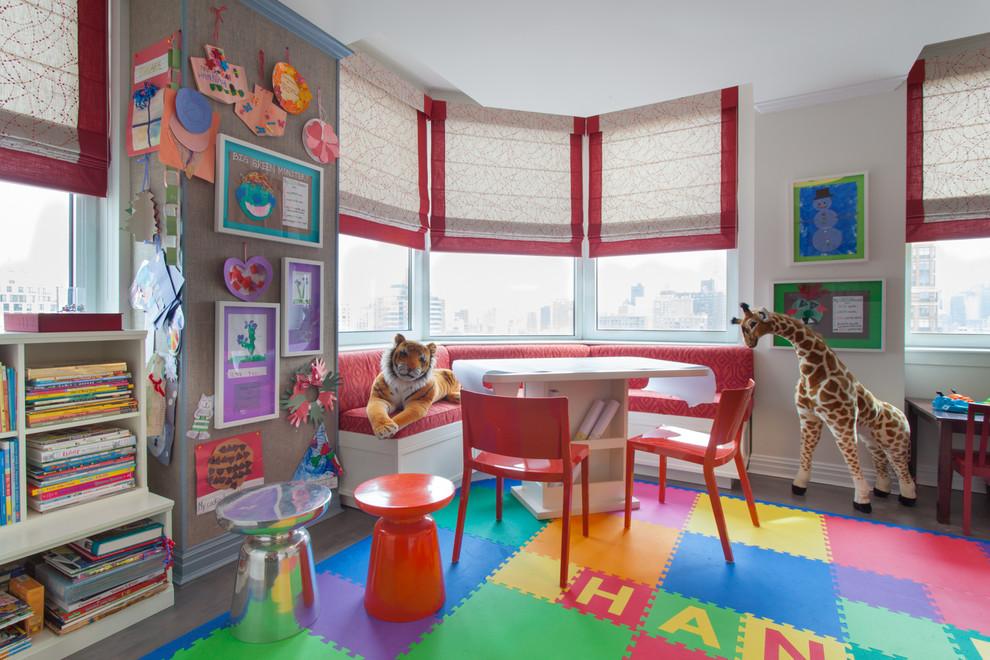 Угловая банкетка в интерьере детской