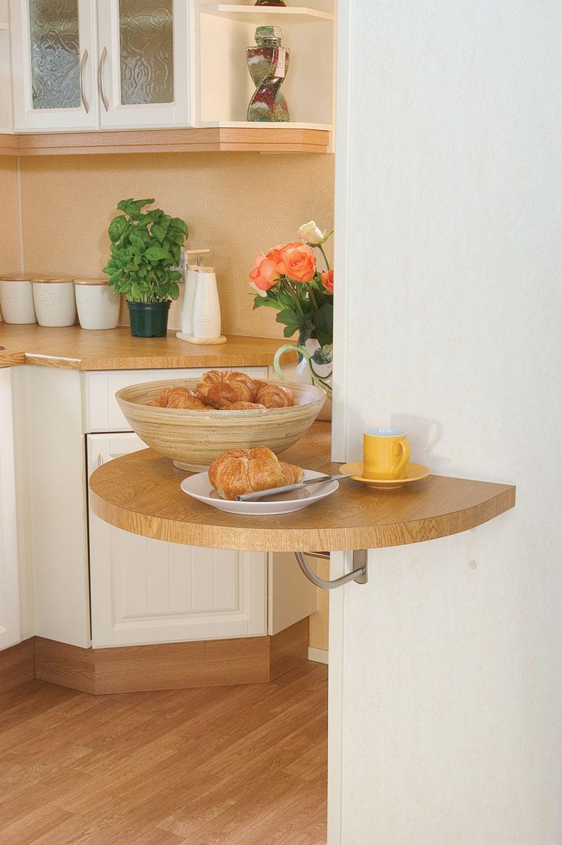 Маленькие столы для маленькой кухни.