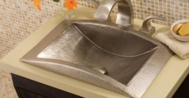 Медная раковина в интерьере кухни