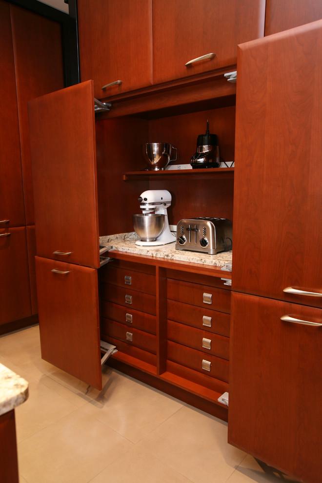 Стильный шкаф с раздвижными дверями для хранения мелкой кухонной техники от Tim Kriebel - KRIEBELDESIGN