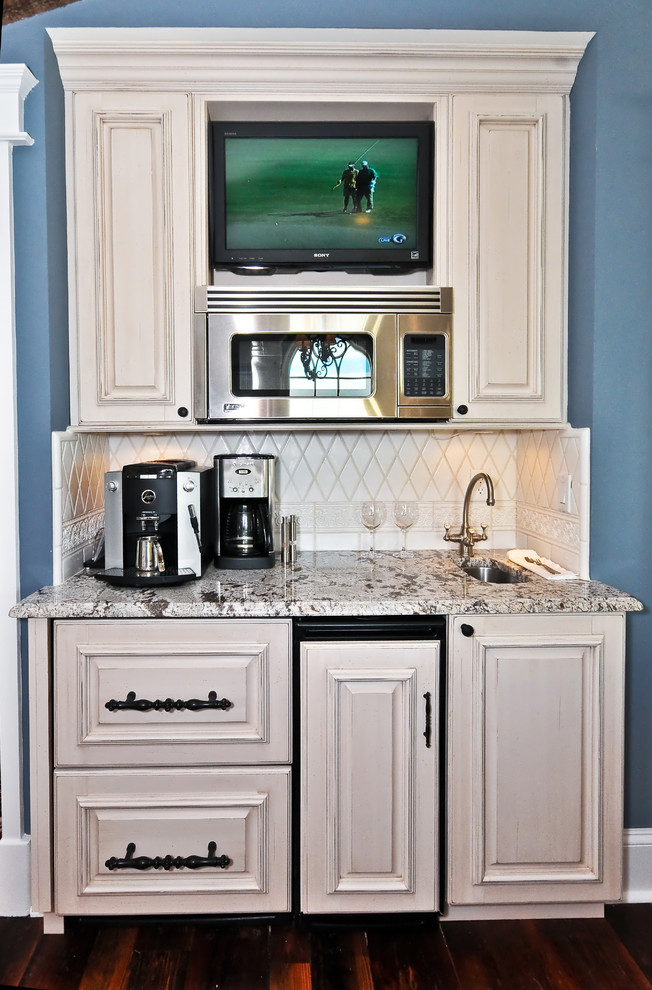 Оригинальный дизайн функционального кухонного гарнитура от Echelon Custom Homes