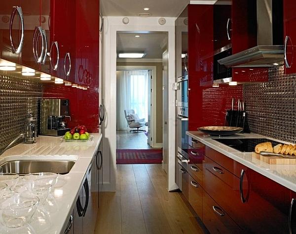Дизайн интерьера глянцевой кухни цвета спелой вишни