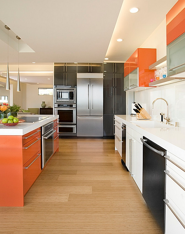 Дизайн интерьера кухни в сочной оранжевой гамме