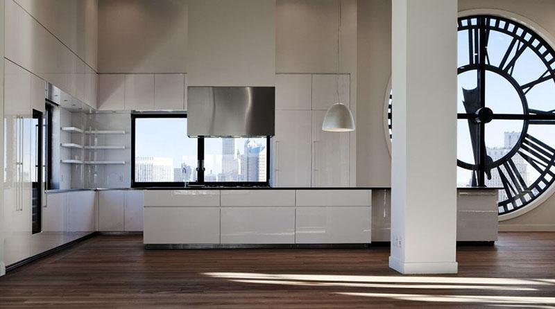 Оформление интерьера кухни в нью-йоркской башне с часами
