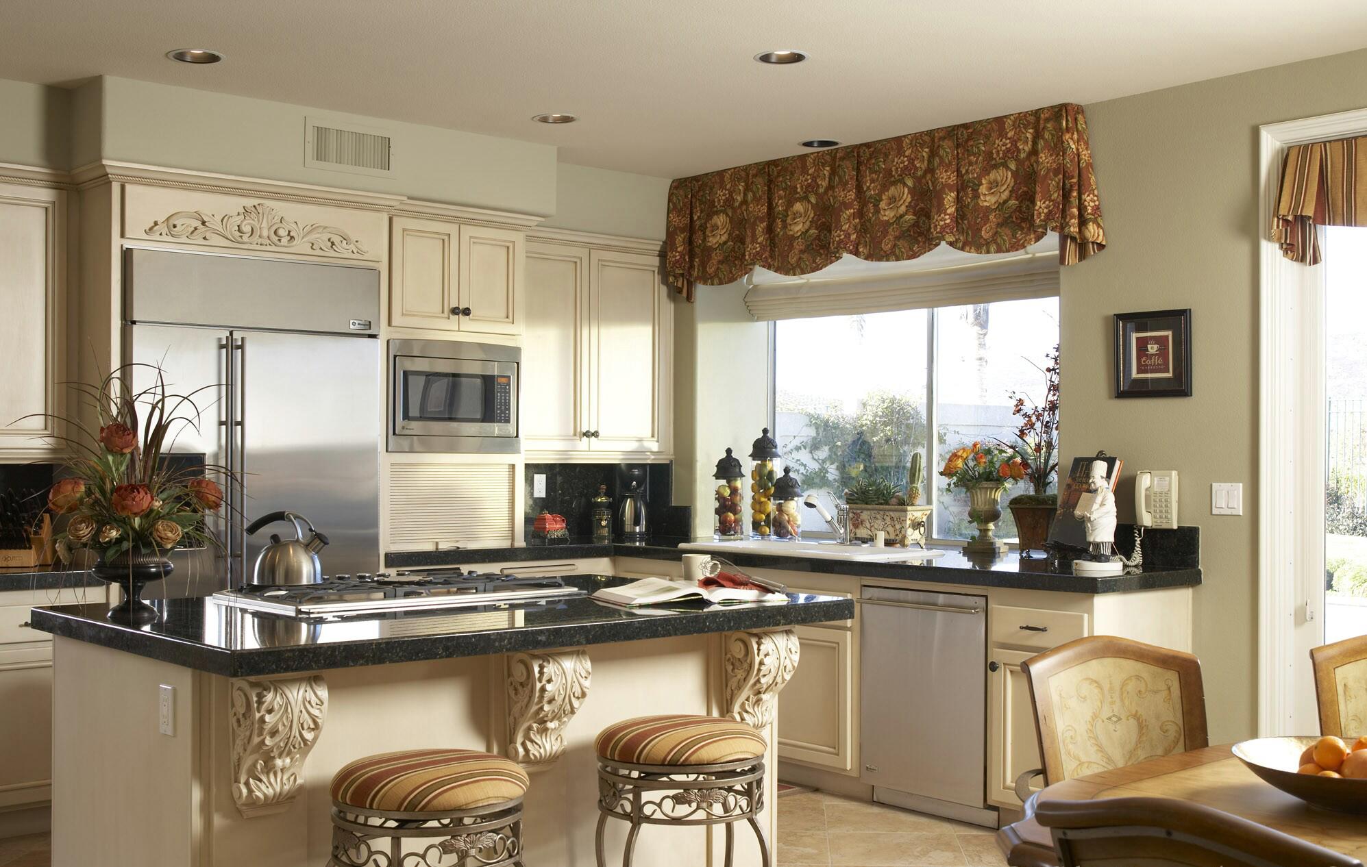 Шторы на кухню. Фото из топ-коллекции