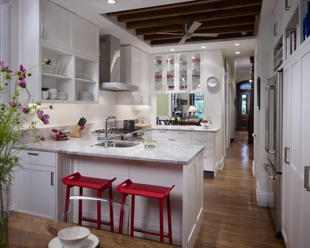 Необычное оформление кухни от студии Hanson General Contracting, Inc