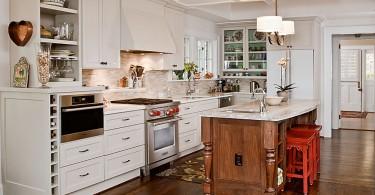 Элегантное оформление кухни от студии Renewal Design-Build
