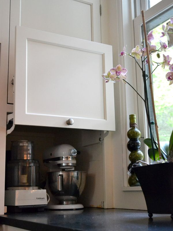 Мелкие бытовые приборы в нише кухонного гарнитура