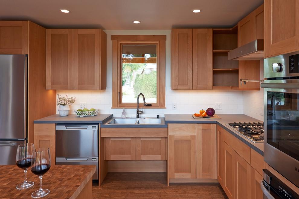 Стильная кухня без ручек
