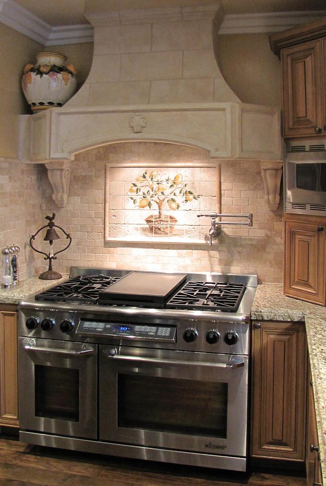 Рисунок лимонного дерева  на плитке кухонного фартука