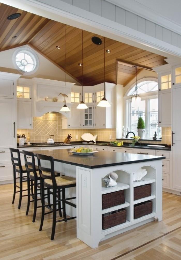 Оригинальный дизайн фартука в интерьере островной кухни от  Divine Design+Build